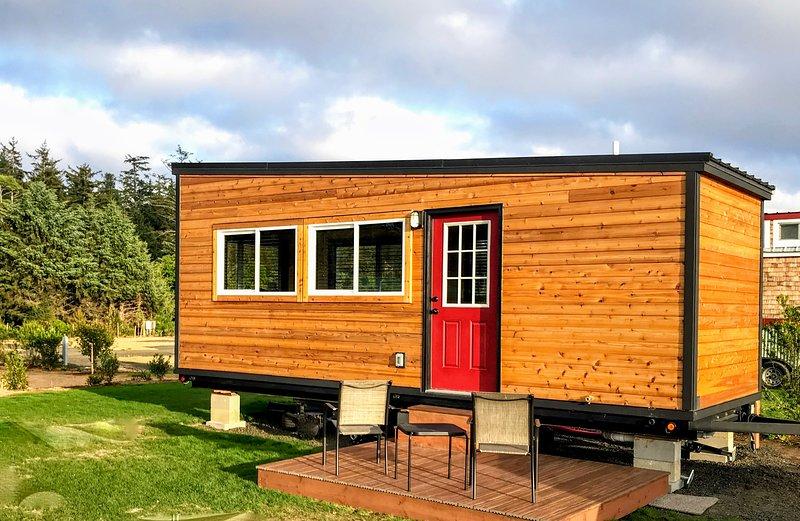 Spine - tiny home tranquility on the Oregon Coast ... on palm springs mobile home, victoria mobile home, oregon coast single family home, long island mobile home, phoenix mobile home, mobile mobile home,