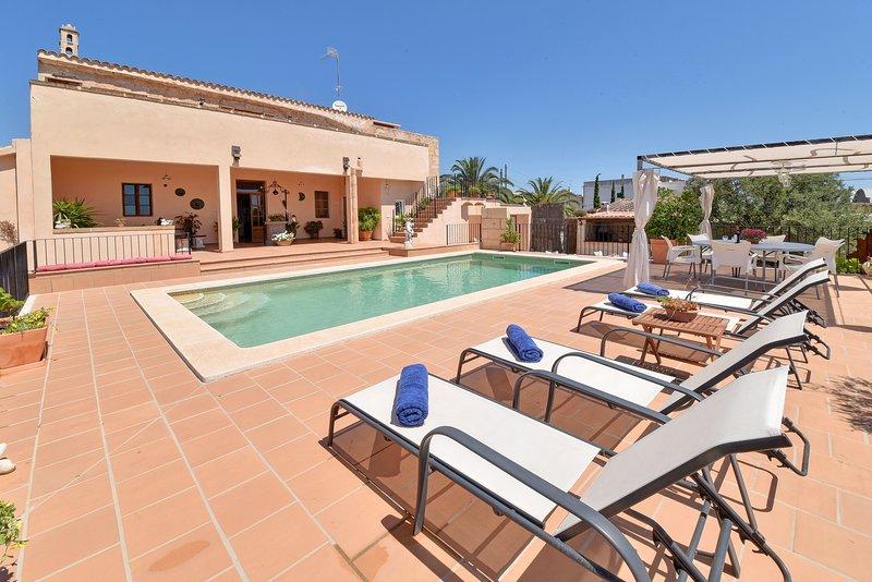 Villa con piscina -Can Trobat - Holiday House, location de vacances à S' Horta