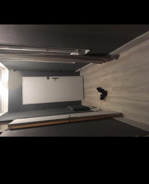 Appartement 75m2 1chambrr salle de bain canapé lit salon, location de vacances à Montreuil-aux-Lions