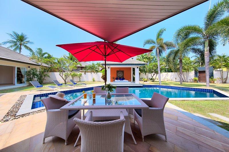 2 Bed Lipa Talay Neung - Private Pool Villa Near The Beach, location de vacances à Lipa Noi