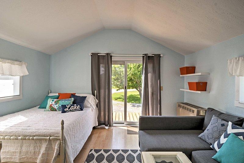 ¡Disfruta de una escapada acogedora en 'The Tiny House Cottage', un estudio de alquiler de vacaciones!