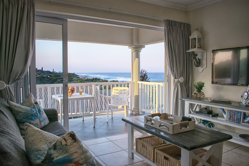 At 4 Umzumbe, Mangrove Beach Estate, location de vacances à St. Michael's on Sea