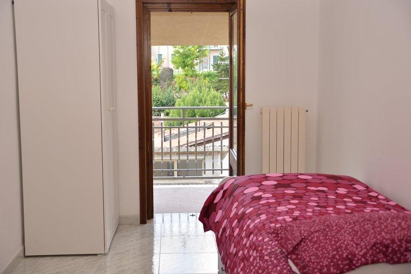 acasaconme - camera singola RICCIO, vacation rental in Sant'Angelo Limosano