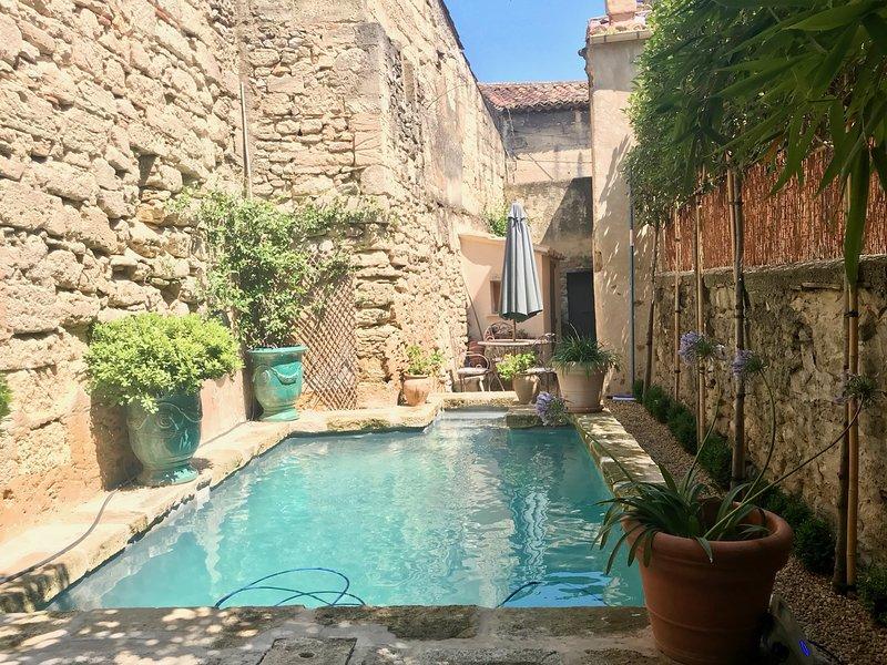 Chez Vous à Uzès,Heated Pool, Garden,Steps to Place aux Herbes,, vacation rental in Uzes