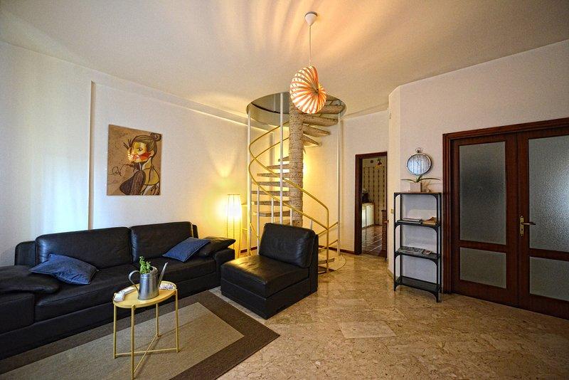 Villa con parcheggio 11 posti letto, location de vacances à Valenzano