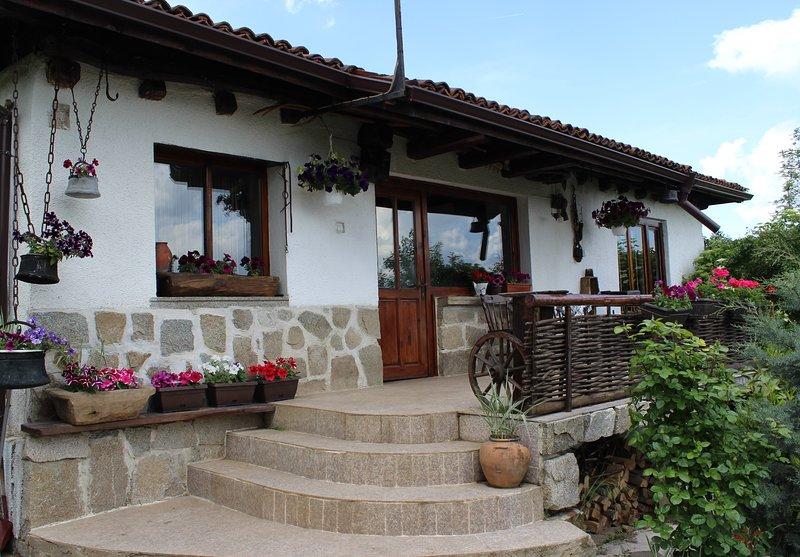 The old villa, holiday rental in Belchin