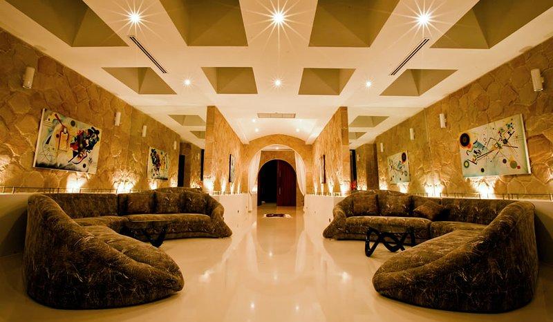Grote kamer van de villa