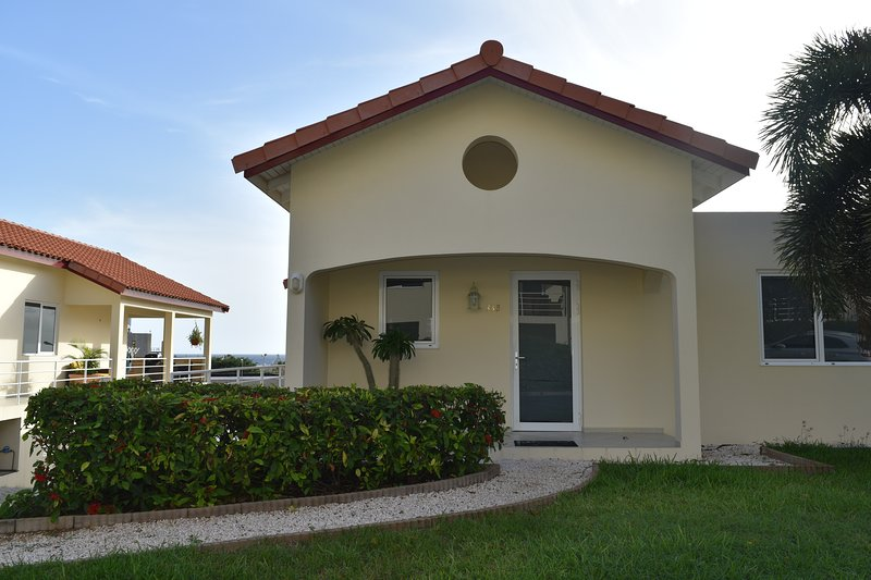 33B Royal Palm. Bright 2B-room ¡LiveCuracaoSun!, vacation rental in Curaçao