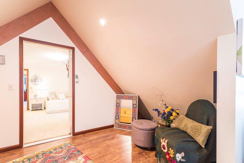 La porta potrebbe essere bloccata o proteggere la tua privacy e separare questa camera da letto principale per i vostri ospiti