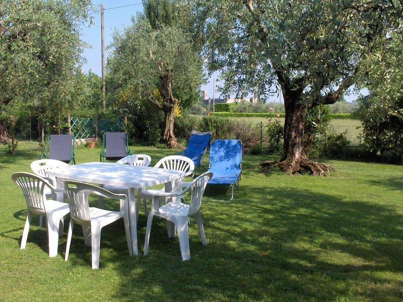 Una casa tra gli olivi 2 /3 pax + pet, vacation rental in Moniga del Garda