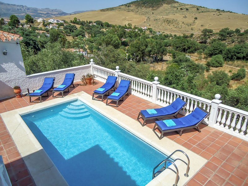 Pendle heights, holiday rental in Almogia