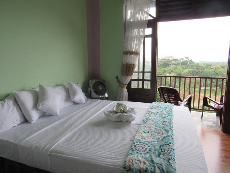 The River Shine Residence, holiday rental in Kundasale