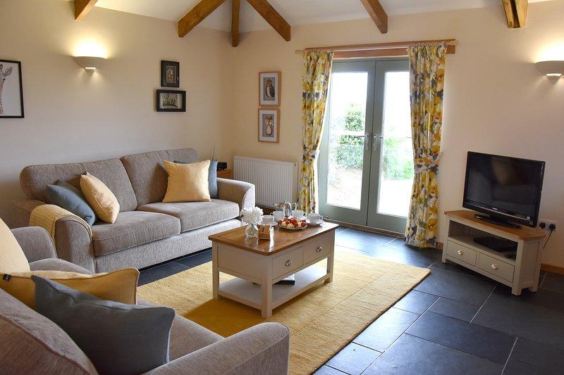 Onlangs gerenoveerde grote open woonkamer, keuken en eetkamer in Hawthorn Cottage