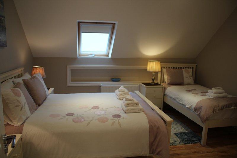 Camera da letto 4 letti singoli. 1 letto matrimoniale 1 letto singolo