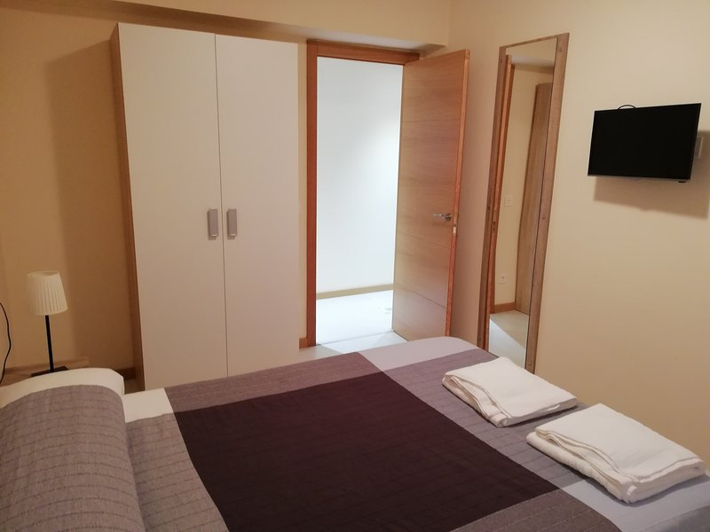 Apartamento recién reformado 5 minutos catedral, holiday rental in Mieres