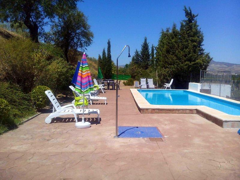 Big house with swimming-pool & Wifi, holiday rental in Loja