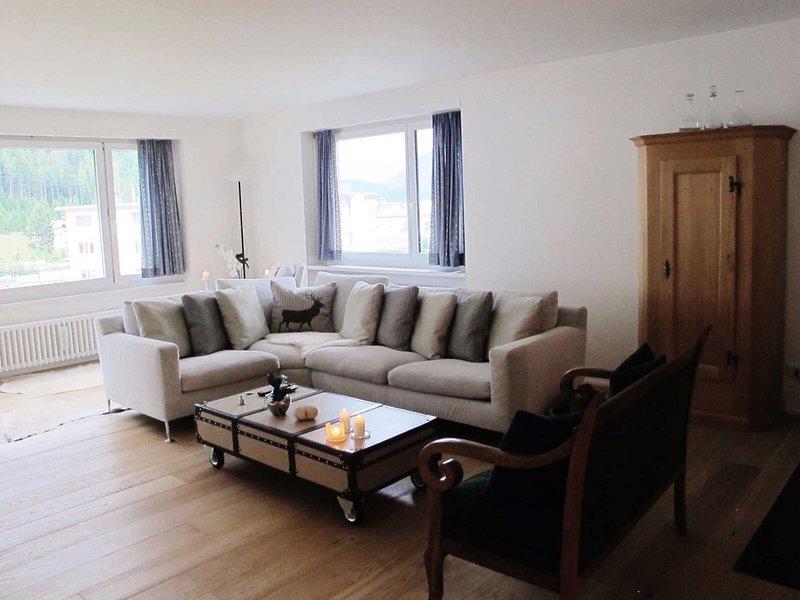 Luxurious And Beautifully Designed Apartment In Saint Moritz - Lets get cosy, location de vacances à Engadin St. Moritz