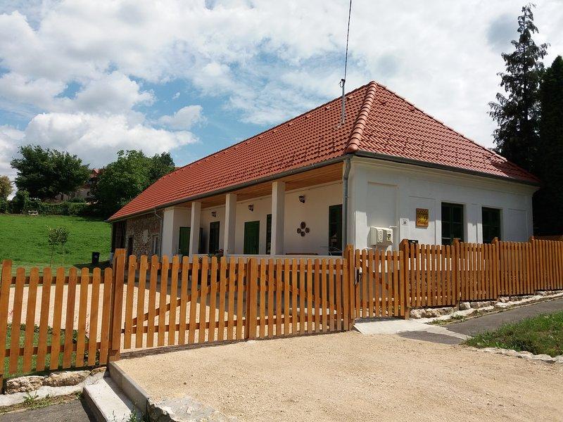Aranyvackor Vendégház Guesthouse Family Friendly, alquiler de vacaciones en Pannonhalma