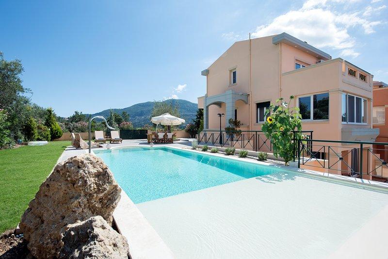 Villa FELICIA, holiday rental in Achilleio