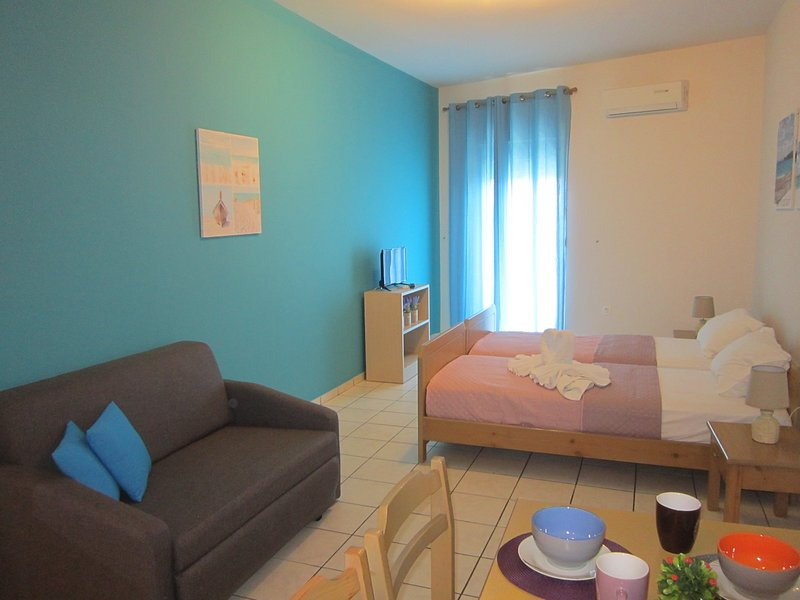 ECONOMIC STUDIOS IN CRETE B4, holiday rental in Ammoudara
