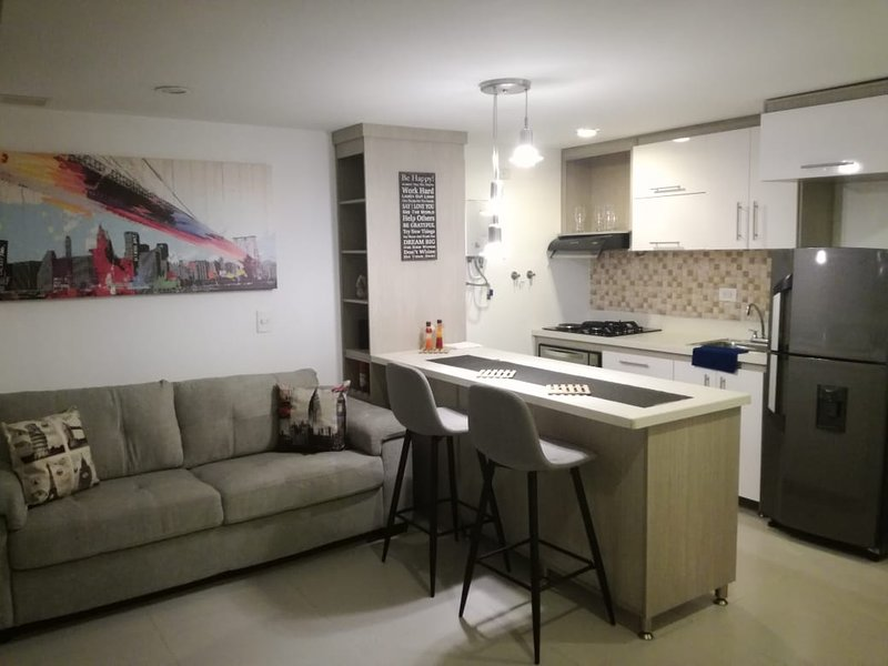 HERMOSO APARTASUITE, vacation rental in Envigado
