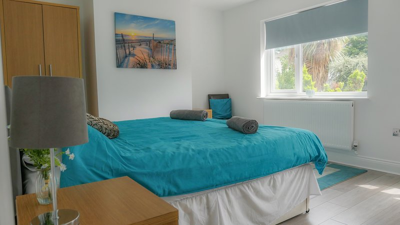 Airport Reach, holiday rental in Leigh-on Sea