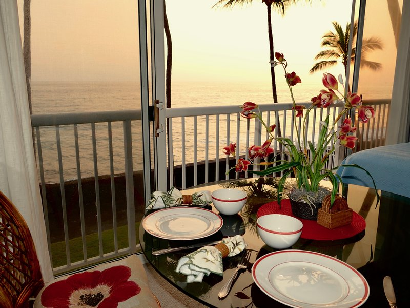 Dining at the waters edge, while the sun sinks below the horizon...bliss!