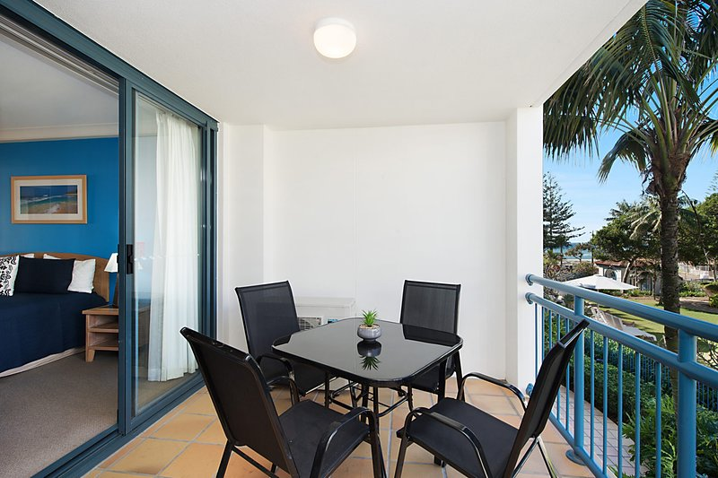Calypso Plaza Resort Units 215 & 217 COMBINED - Beachfront Coolangatta, vacation rental in Tumbulgum