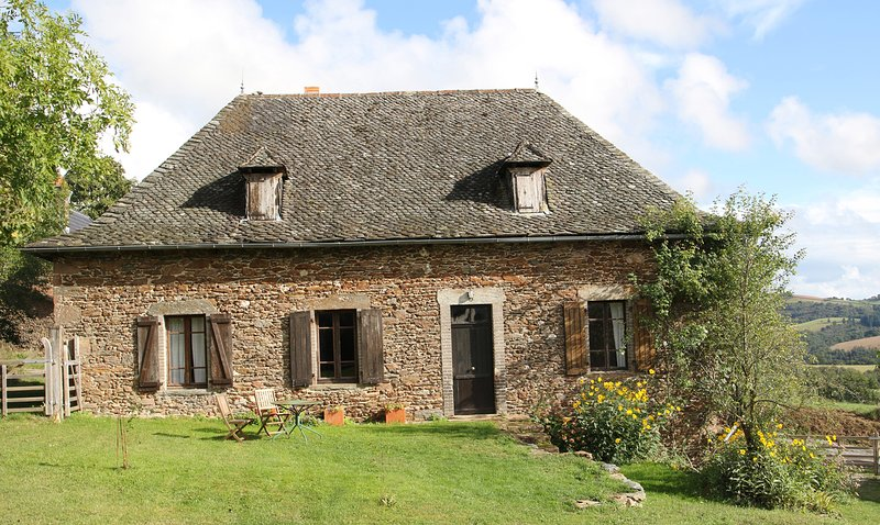 Chez Caro French farmhouse holiday let., holiday rental in Grand-Vabre
