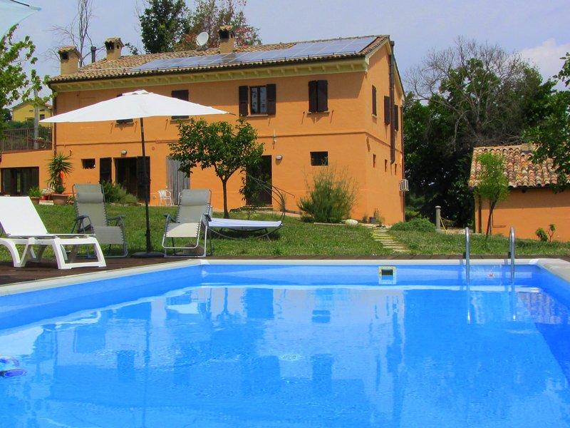 Beautiful apt with pool access, holiday rental in Mondavio