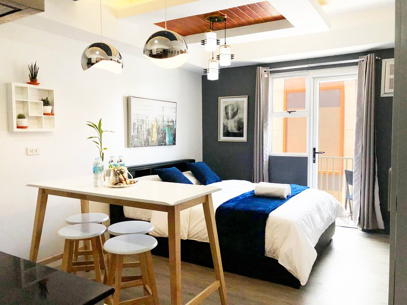 Modern & Cozy Studio in Bacolod City Center, holiday rental in Negros Island