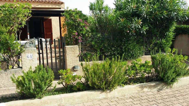 Villetta Vecchio Marino con patio e giardino, aluguéis de temporada em Palau