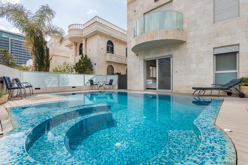 Villa Hatehila XVIII - Stayfirstclass, holiday rental in Netanya