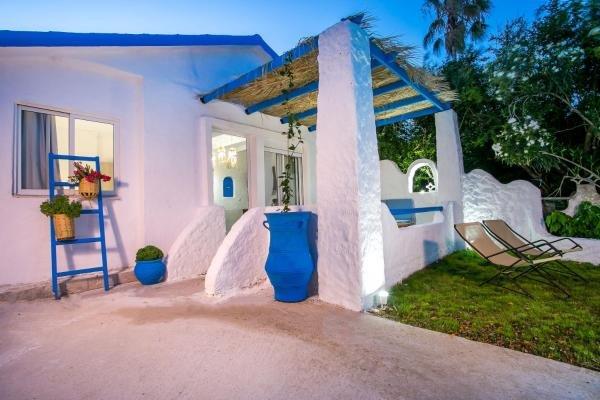 Faliraki Blue Villas, location de vacances à Ladiko