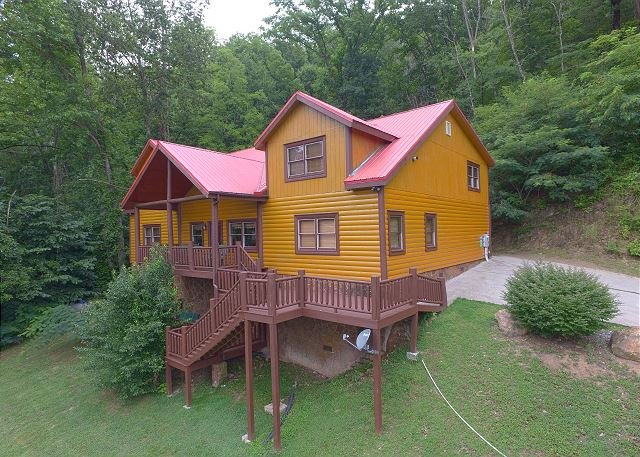 Secluded 6 Bedroom Private Indoor Pool Cabin With Hot Tub