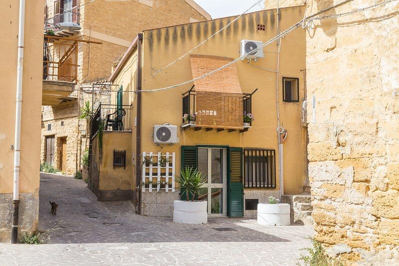 A vanedda di Girgenti ' apartments ' indipendente e ampio monovano   piano terra, location de vacances à Aragona