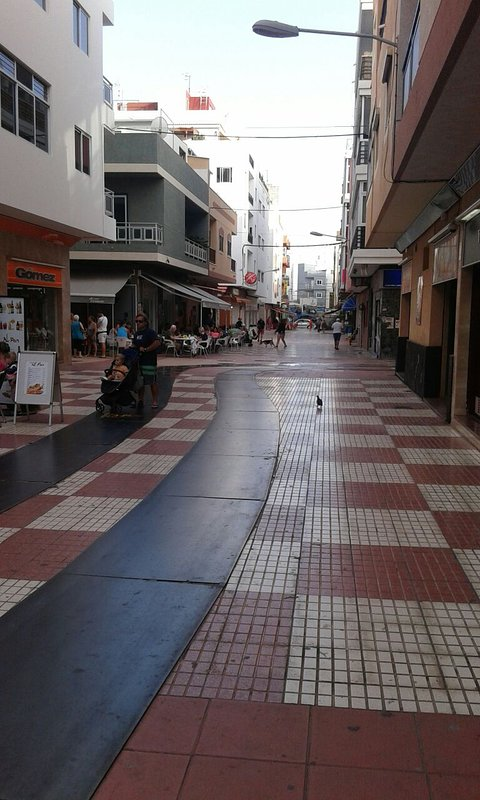 town 5 minutes walk, tourist area and beach