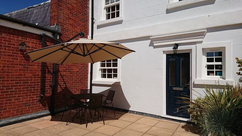Lymington High Street, terrace, sea view, parking, vacation rental in Lymington
