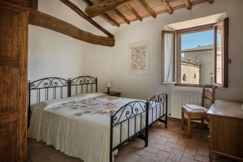 Borgo Villa Certano - Roseto 2, holiday rental in Volte Basse