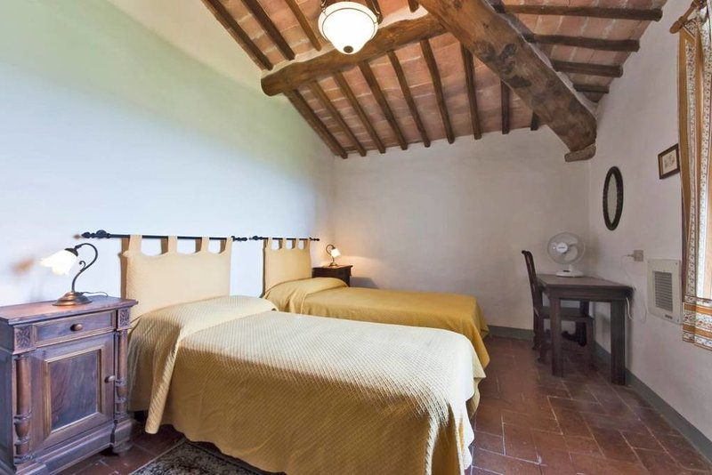 Borgo Villa Certano - Boschetto, holiday rental in Brucciano