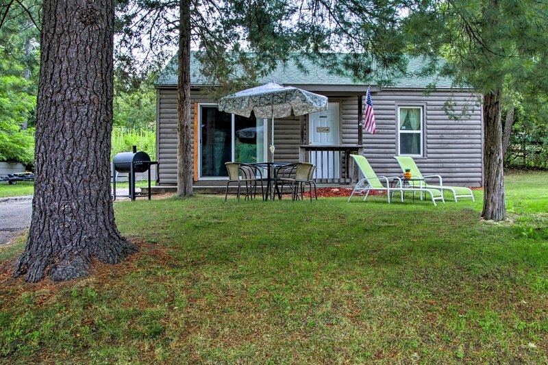 NEW! Cottage w/ Lake Access - 1 Mi. to the Dells! UPDATED ...