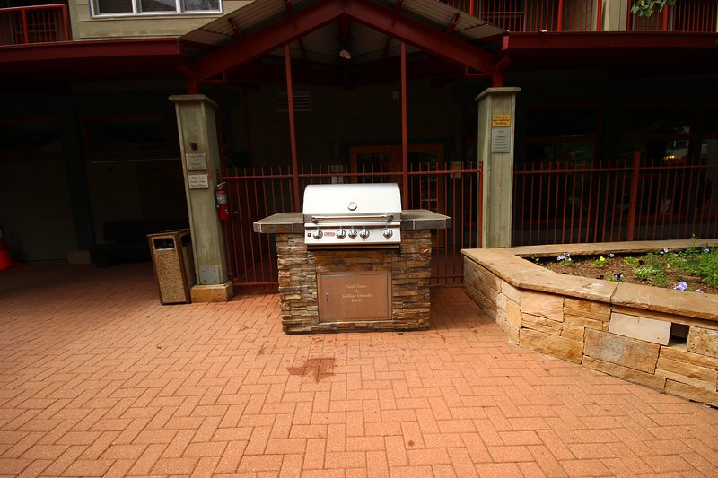 Shared grilling area at Silver Mill