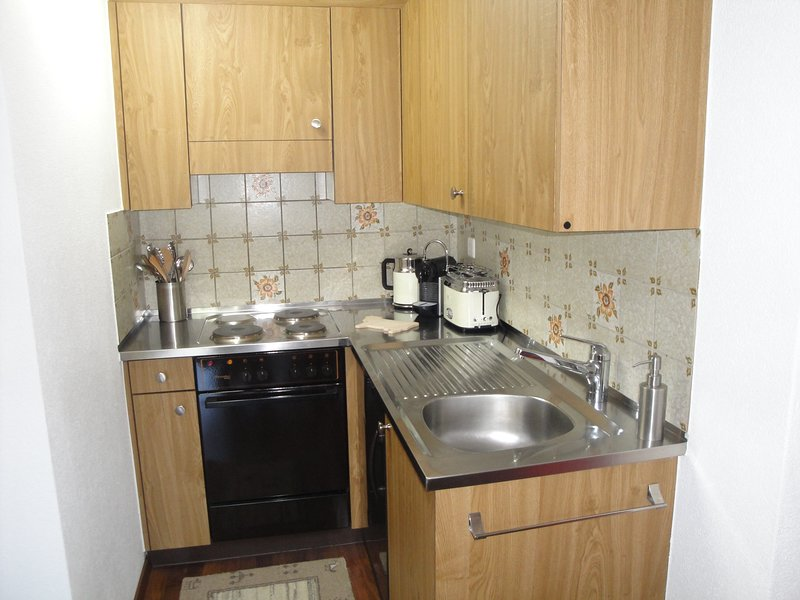 There is a fully equipped kitchenette.