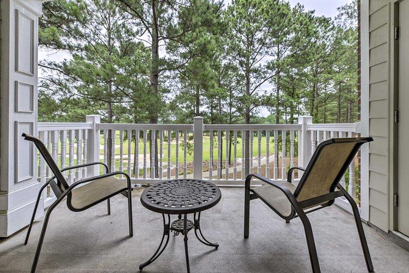 Spring Lake Anderson Golf Club Condo w/Pool Access, aluguéis de temporada em Olivia