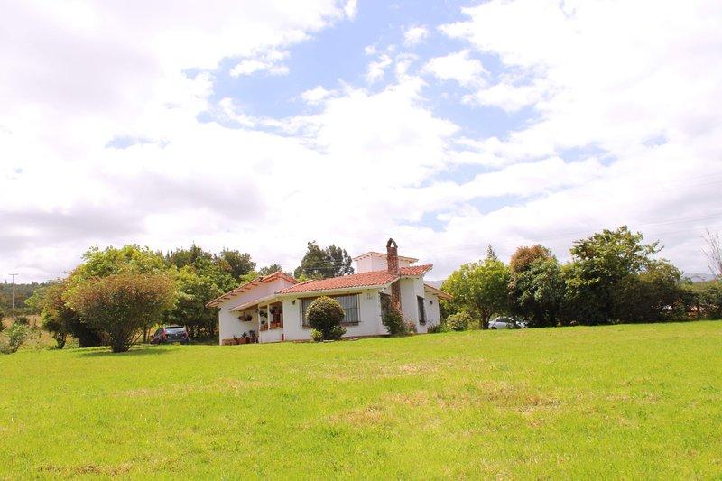 Acogedor Chalet de Montaña - El Ruby, holiday rental in Paipa