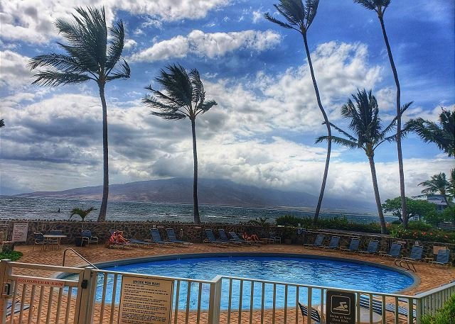 Menehune Shores Oceanfront Pool