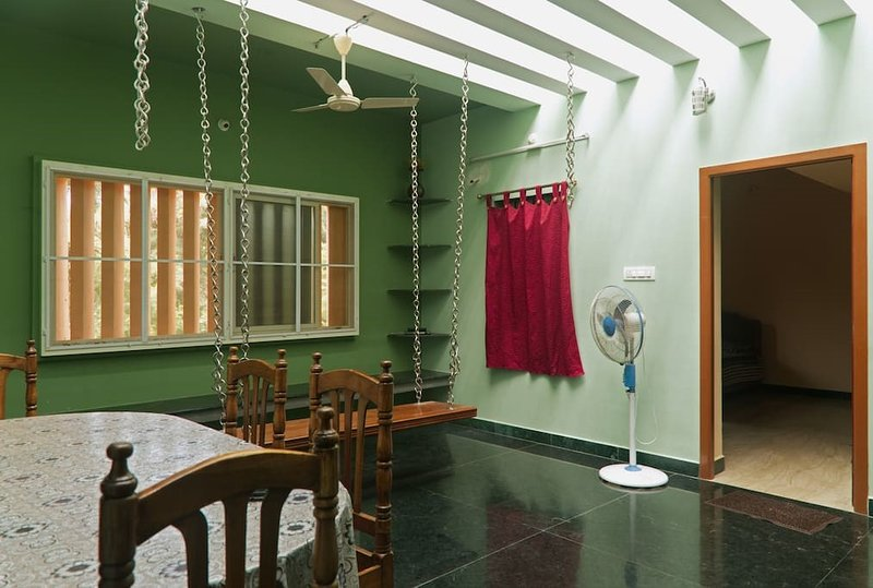 Tamarind Tree Family Guest House at Serenity Beach, Pondicherry, Ferienwohnung in Pondicherry