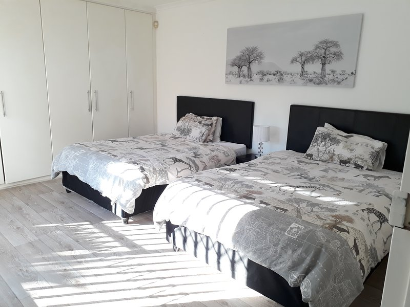 3 bedroom Home near kite beach  Blouberg Cape Town, holiday rental in Bloubergstrand