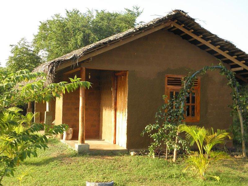 Lotus Chalets 4, holiday rental in Embilipitiya