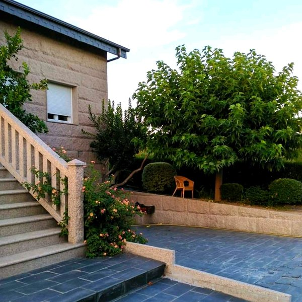 Amazing house in Ourense & Wifi, holiday rental in Reza